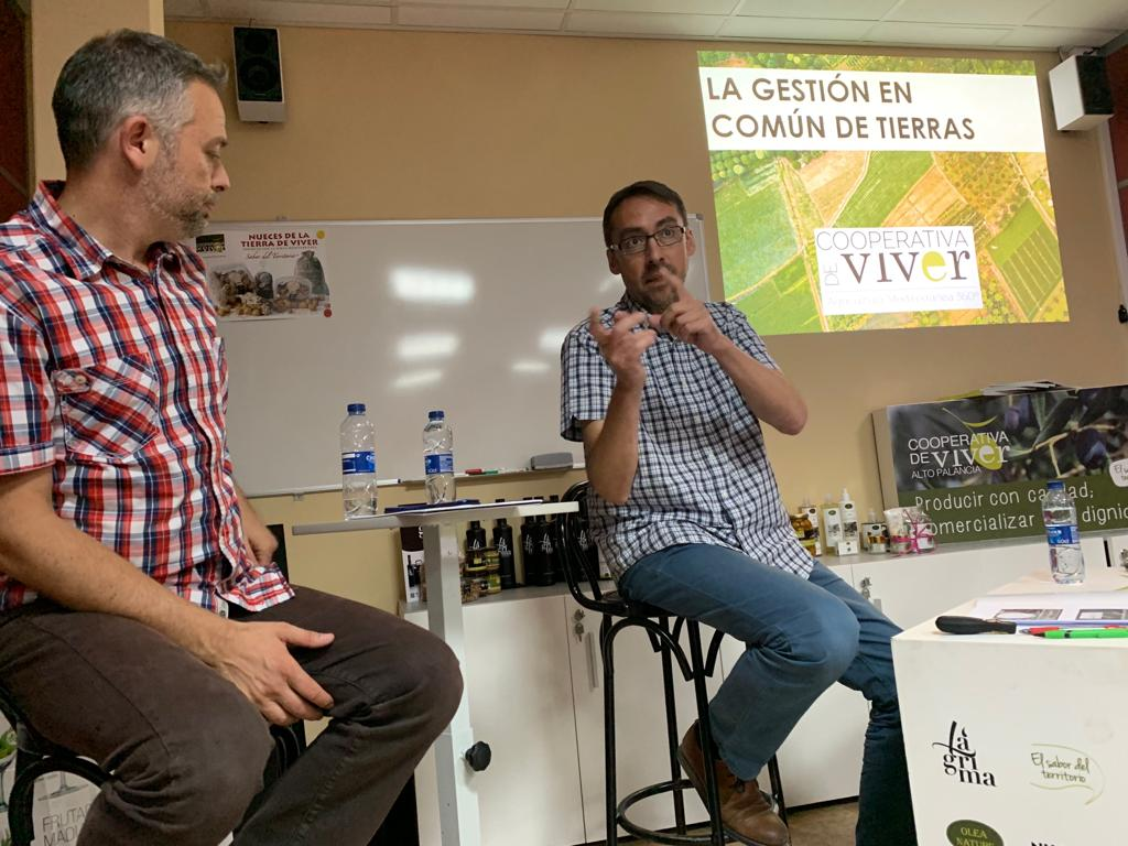 LA COOPERATIVA SIENTA LAS BASES DEL PROYECTO DE GESTIÓN EN COMÚN DE TIERRAS